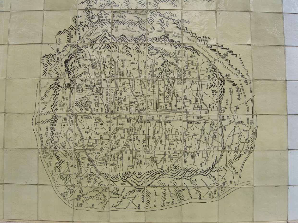 1825 map of Seoul painted on tiles lining the Cheonggyecheon Stream running through the city, © Jerry Michalski, 2007.