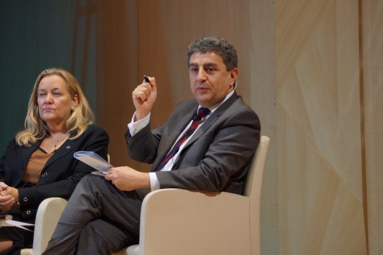 Sultan Barakat, panel discussion, with Prof. Patricia MacCarney, Director, Global Cities Institute, University of Toronto, at the Qatar Foundation Annual Research Conference (ARC) 2016, 22 March 2016, Qatar National Convention Center, © Qatar University.