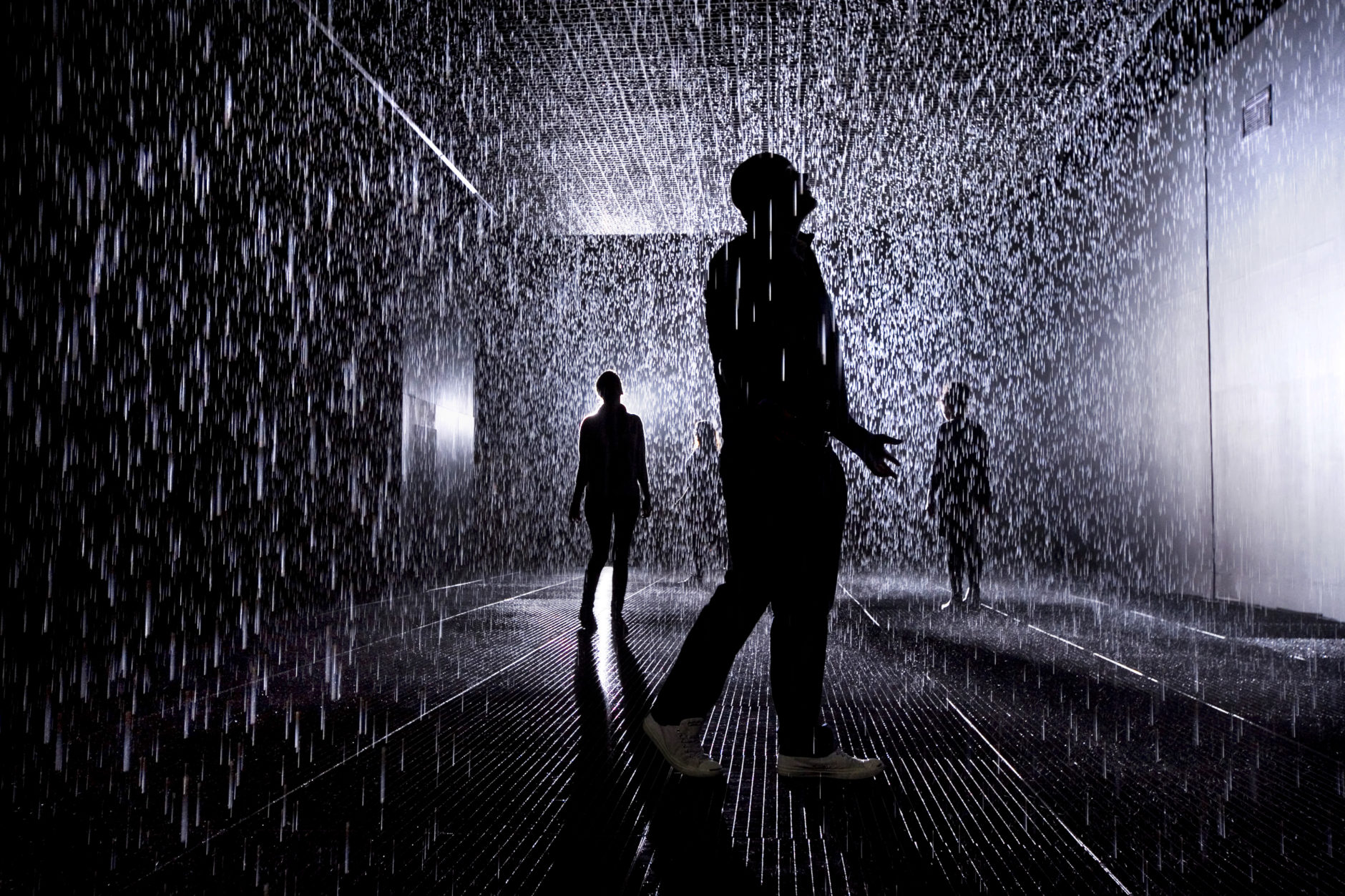 Rain Room, rAndom International, 2012, © Felix Clay.