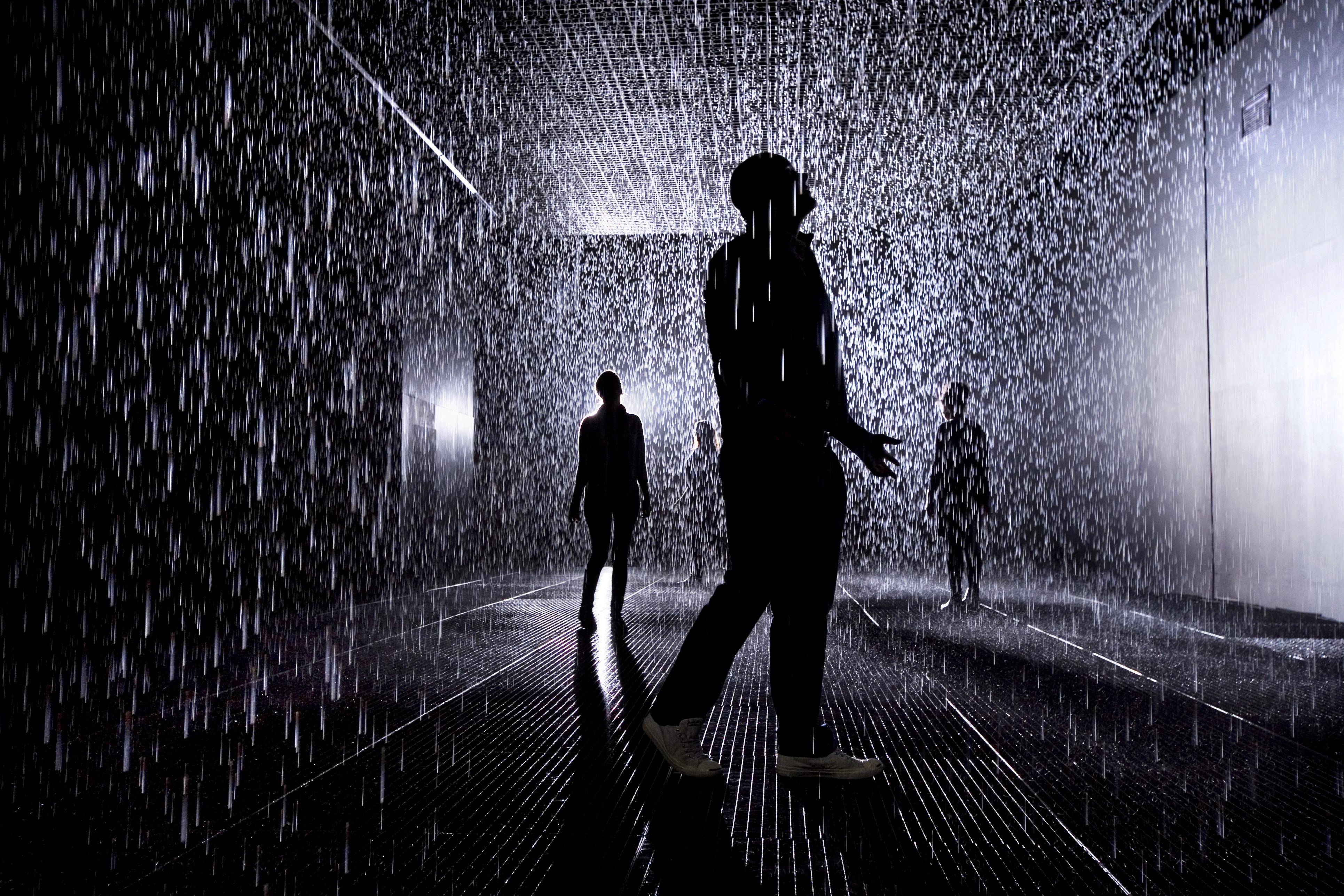 Rain Room, rAndom International, 2012, © Felix Clay.