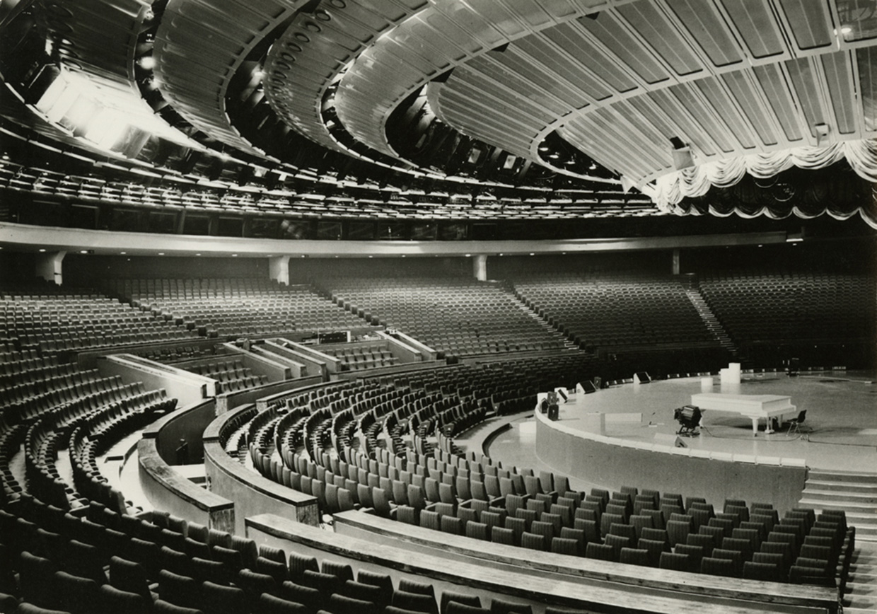 The auditorium could hold 4600 people and has been used for everything from rock converts, to political rallies to Jehovah's Witness meetings. (Photo © Museum of Estonian Architecture)